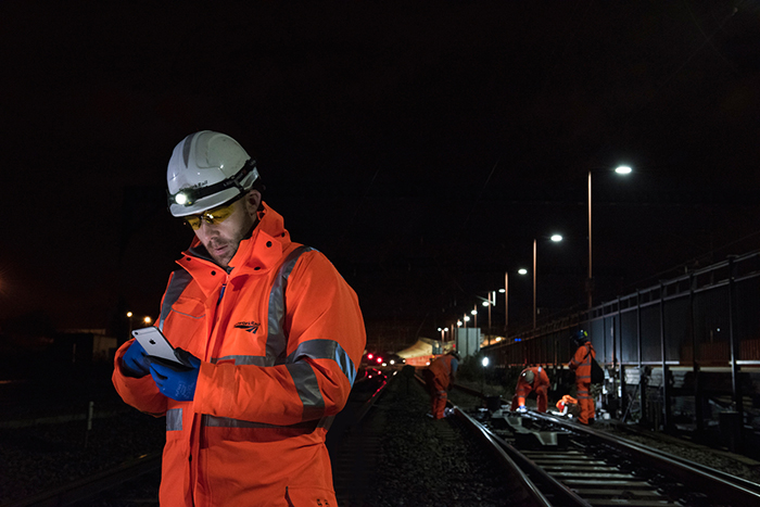 Since 2011, Network Rail has rolled out 25,000 iPads and iPhones, including 18,000 to the maintenance and engineering teams