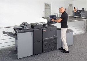 A single-pass duplex colour scanner and a broad range of finishing options offer additional flexibility.