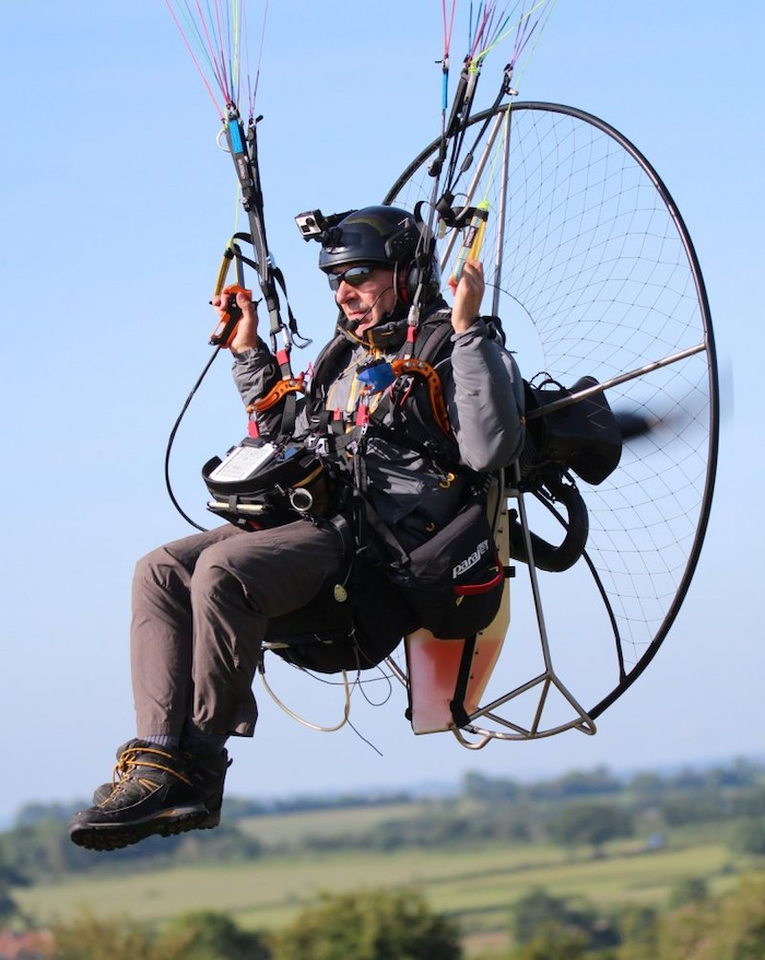 Simon Walker flying a Parajet paramotorduring the icarus X UK (photo: Clive Mason)