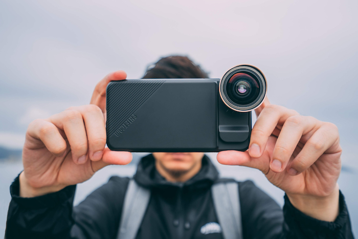Detachable smartphone lenses